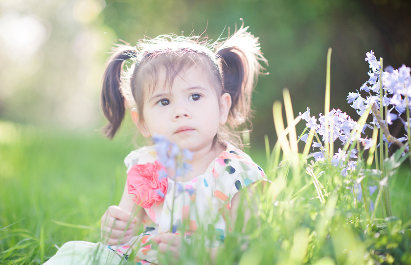 hazy photography, child portraits with haze, backlit photos