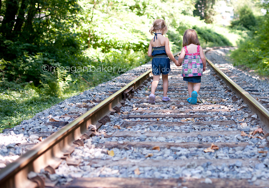 Best friends port moody child photographer vancouver for Popular house tracks