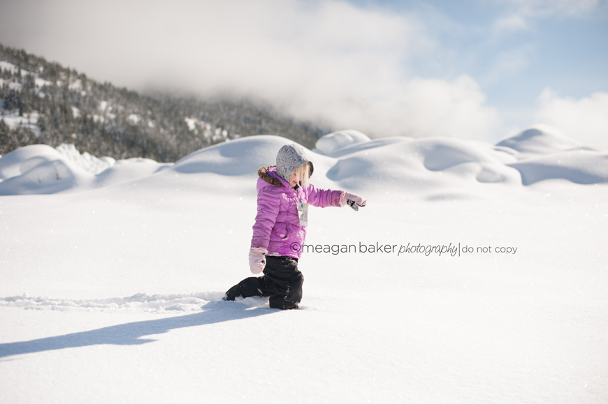 family day photography, vancouver family photographer, vancouver child photographer, lifestyle photography, snow photography, spring photography special