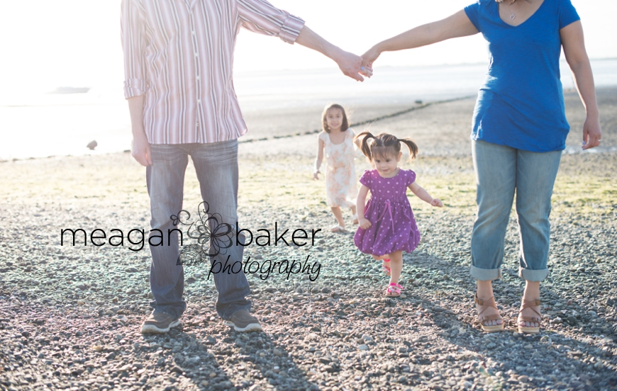 crescent beach family photographer, vancouver family photographer, vancouver child photographer, spring family photos, family pictures_0011