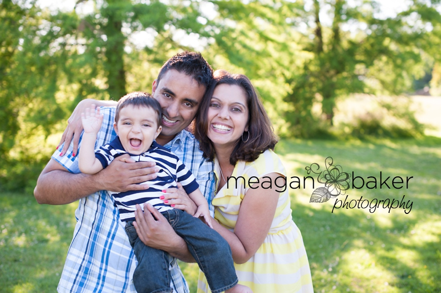 vancouver child photographer, child portraits in grass, backlit portrait, sunny day photos, family pictures vancouver, family photographer in vancouver, meagan baker photography_0010