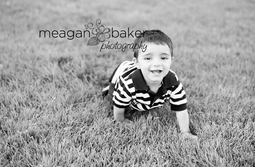 vancouver child photographer, child portraits in grass, backlit portrait, sunny day photos, family pictures vancouver, family photographer in vancouver, meagan baker photography_0014