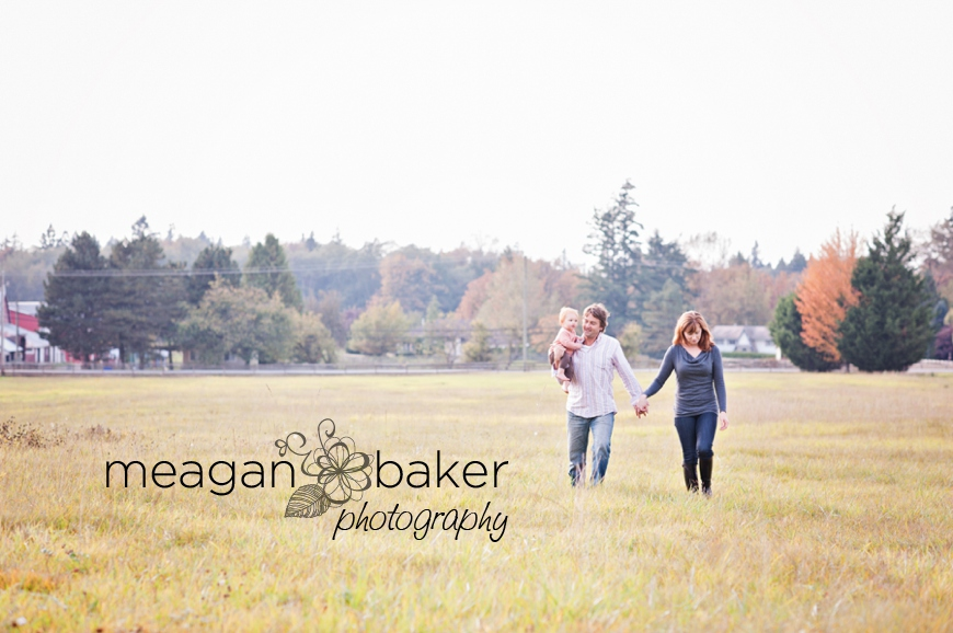 vancouver child photographer, fall family photos, langley family photographer, south surrey family photographer, vancouver family photographer, cake smash, family photos, south surrey family photographer, meagan baker photography_0006