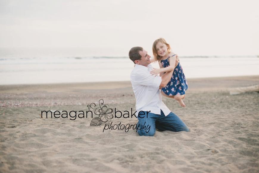 family photos, beach portraits, family beach photos, family pictures at the beach, beach portraits, vancouver family photographer_0010