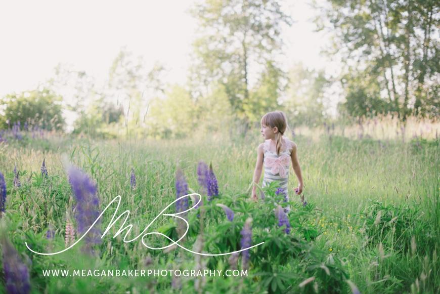 sisterlove, meagan baker photography, purple flowers, spring portraits, crescent beach photos, family photos, child portraits_0001