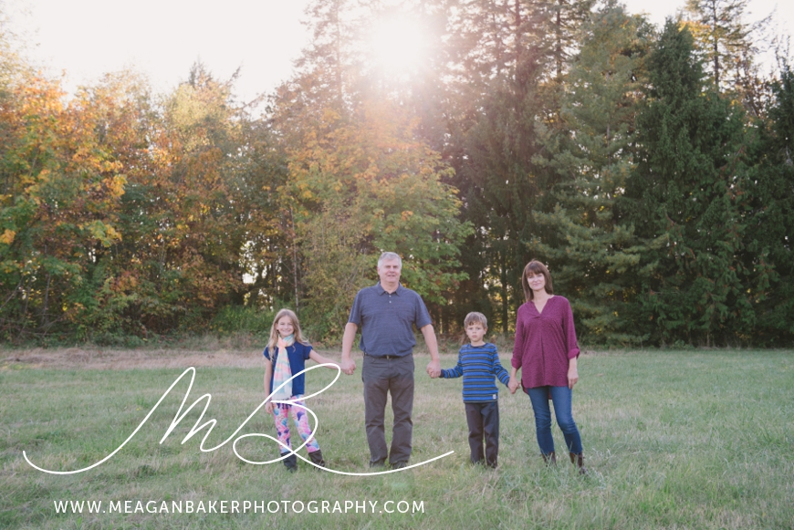 south-surrey-family-photographer-vancouver-family-photographer-langley-family-photographer-vancouver-family-photos-photos-with-ice-cream_0004