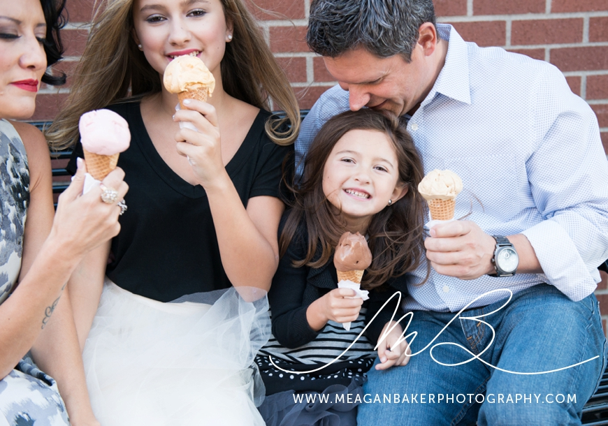 south-surrey-family-photographer-vancouver-family-photographer-langley-family-photographer-vancouver-family-photos-photos-with-ice-cream_0013