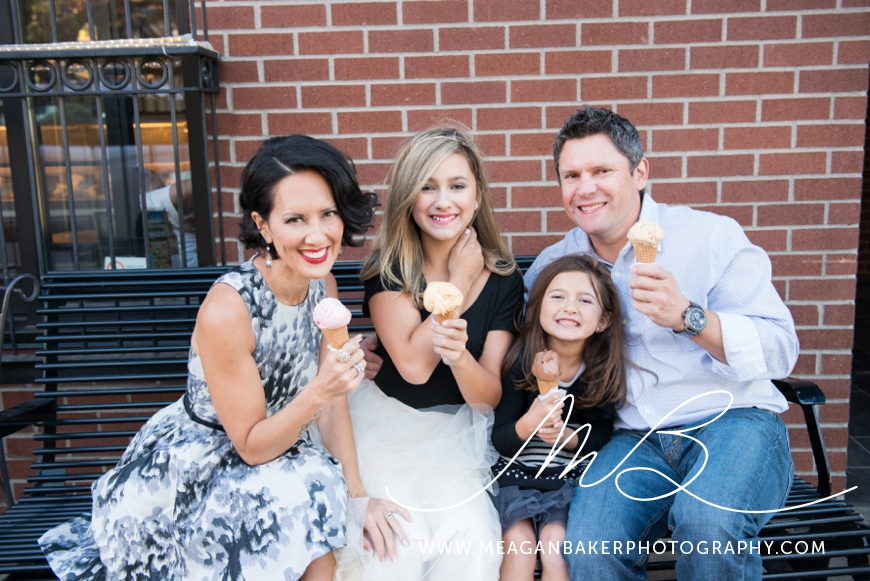 south-surrey-family-photographer-vancouver-family-photographer-langley-family-photographer-vancouver-family-photos-photos-with-ice-cream_0014