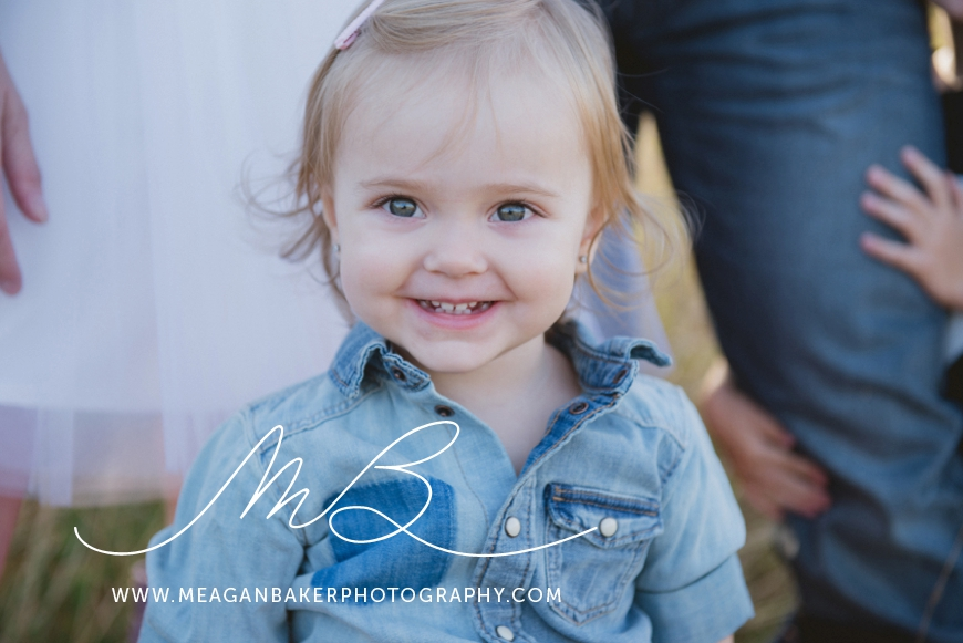 campbel-valley-family-photos-vancouver-family-photographer-langley-family-photographer-south-surrey-family-photographer-candid-photography-meagan-baker-photography_0001