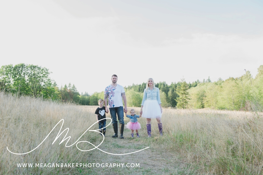 campbel-valley-family-photos-vancouver-family-photographer-langley-family-photographer-south-surrey-family-photographer-candid-photography-meagan-baker-photography_0004