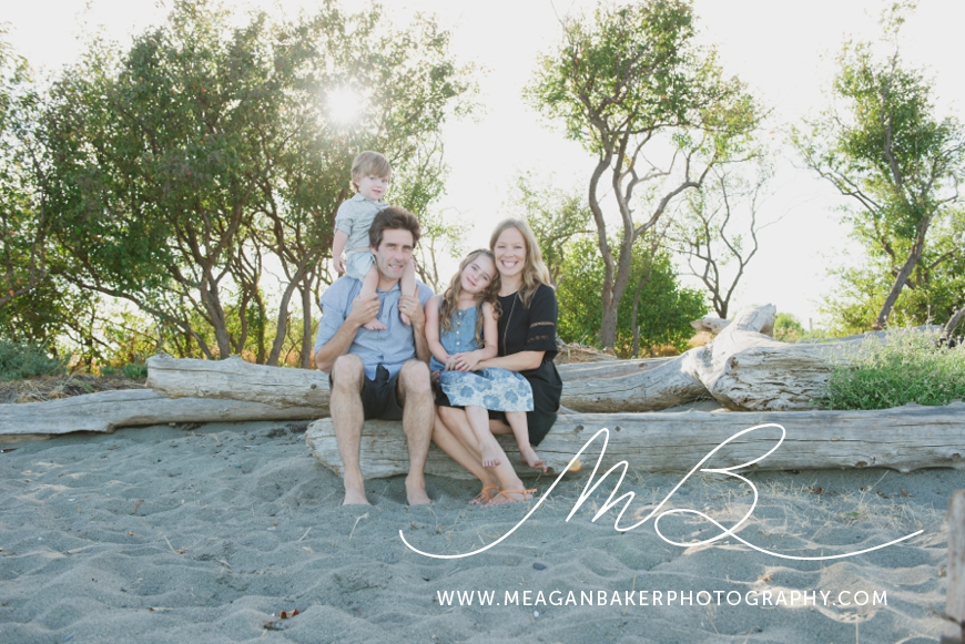 ladner-family-photographer-vancouver-family-photographer-langley-family-photographer-south-surrey-family-photographer-candid-photography-meagan-baker-photography_0002