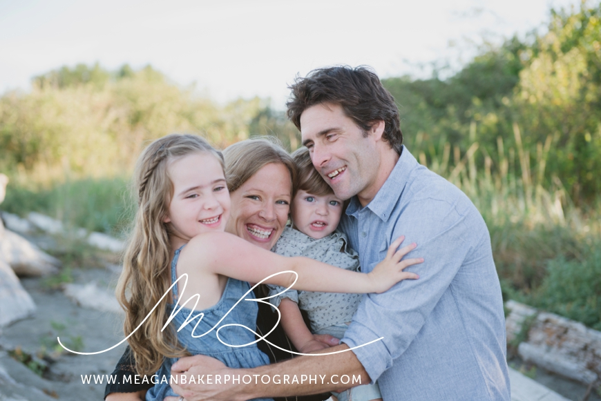 ladner-family-photographer-vancouver-family-photographer-langley-family-photographer-south-surrey-family-photographer-candid-photography-meagan-baker-photography_0010