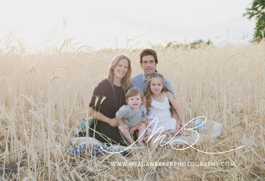 ladner-family-photographer-vancouver-family-photographer-langley-family-photographer-south-surrey-family-photographer-candid-photography-meagan-baker-photography_0015
