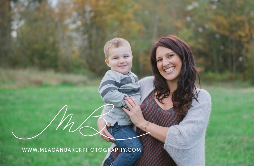 mom-and-me-photo-session-south-surrey-family-photographer-vancouver-family-photographer-langley-family-photographer-vancouver-family-photos-photos-with-ice-cream_0003